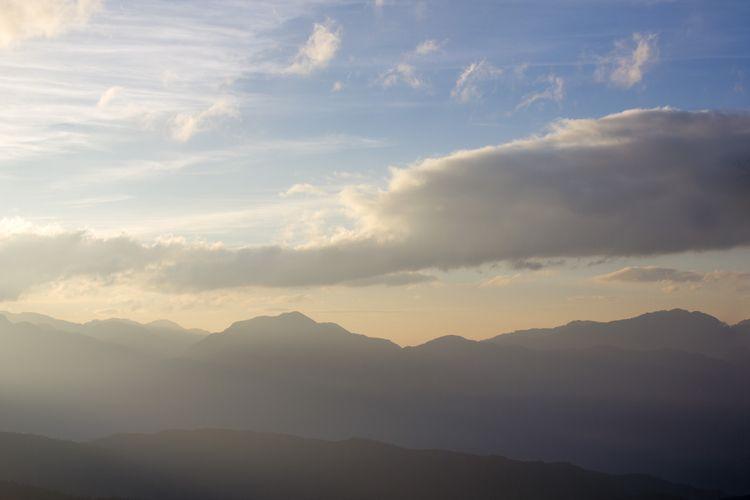 大霸尖山陵線。 Dabajian Mountain. 攝影 陳 - yiruchen | ello