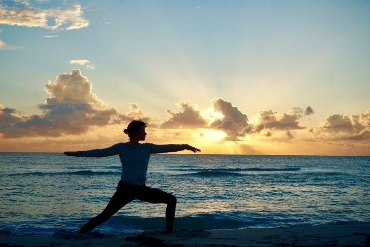 Yogi sunrise - yoga, Miami, beach - vivjan   ello