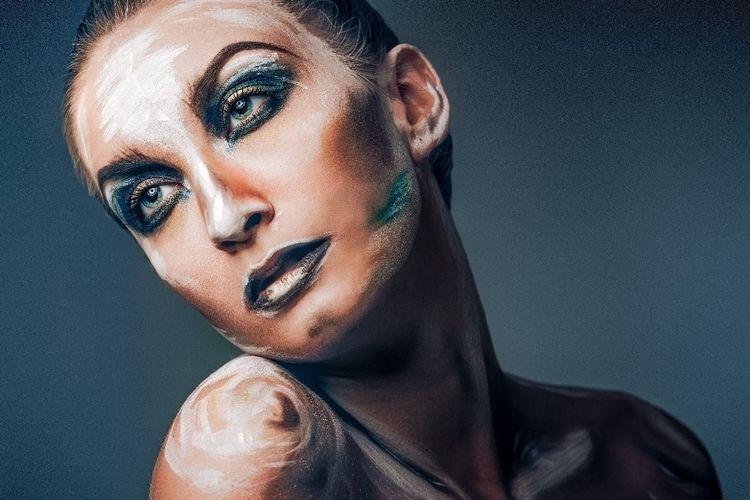 Paint French girls - editorial, photography - nickelphoto | ello