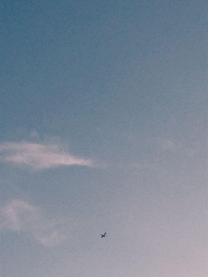 plane - themoonlitroad | ello