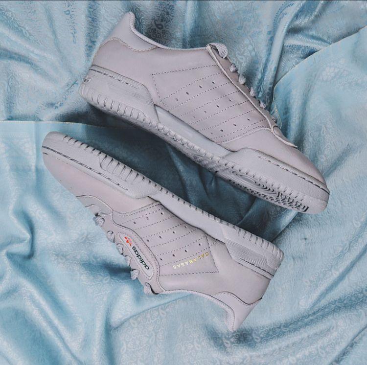 call Souled woman sneakerhead  - justsouledout | ello