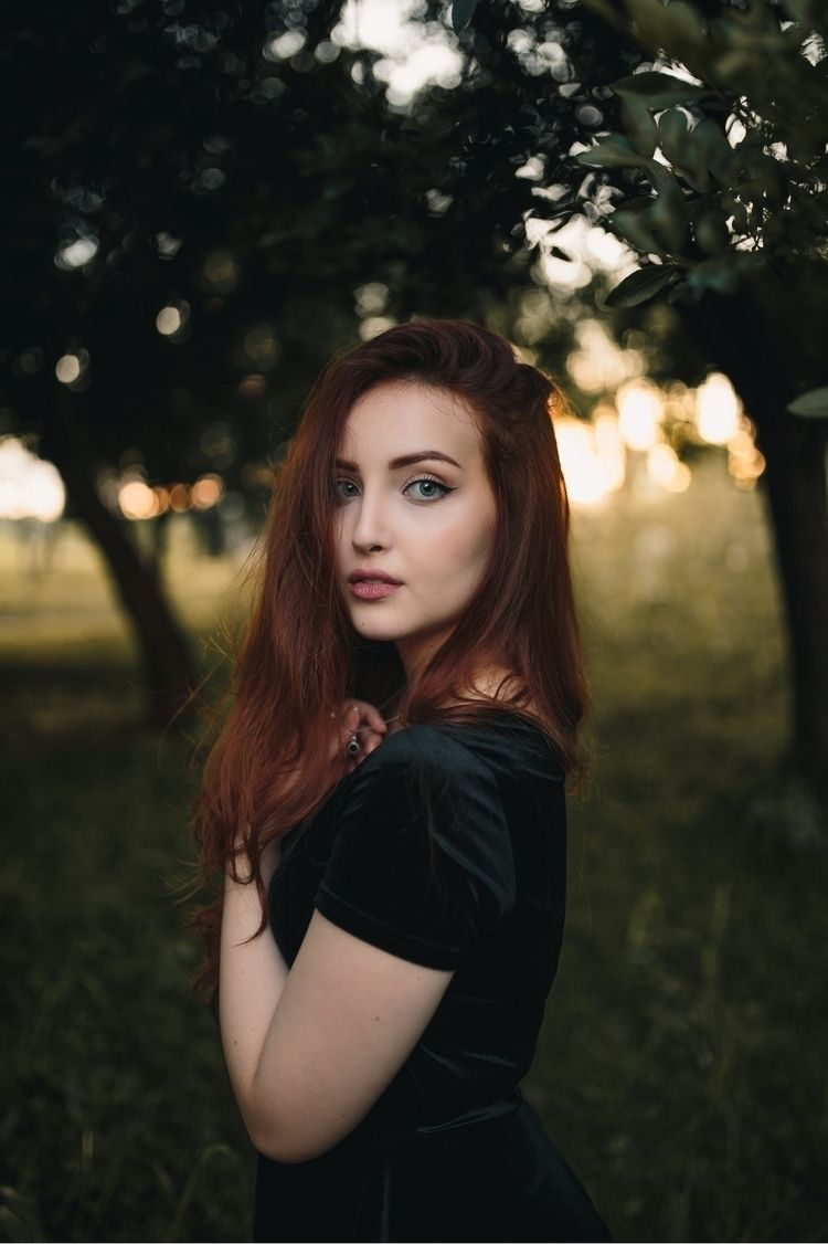 Golden Shooting Clara Bordieri  - guiirossi | ello