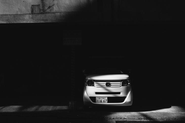 Light shadow. Tokyo - blackandwhitephotography - adamkozlowski | ello