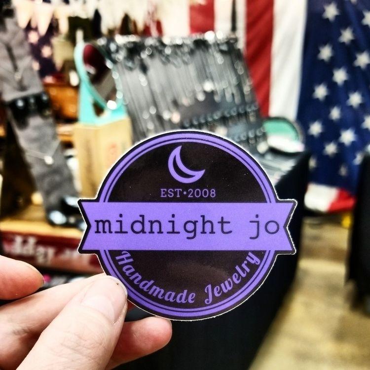day 2 House Vintage Market, sto - midnightjo | ello