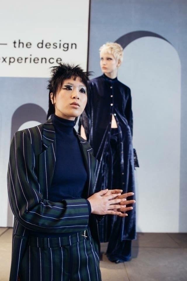 Rouge Margaux | Paris showroom  - karinechaneyin | ello