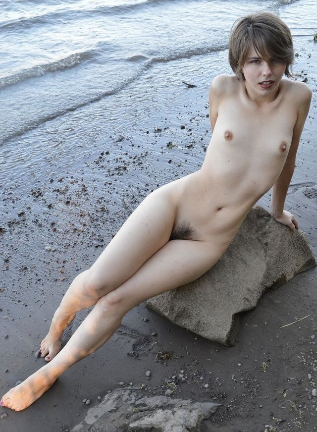 nude, shorthair, hair, cunt, tits - big_floater   ello