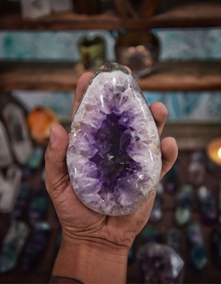 Tons crystal goodness shop - Metaphysical - theeancients | ello