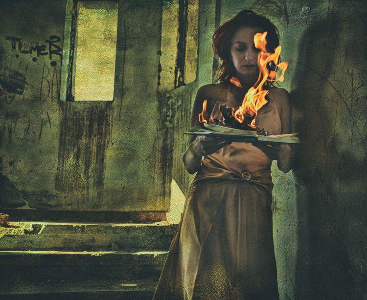 lost Lost heat Girl thrill - creative - cornelgin   ello