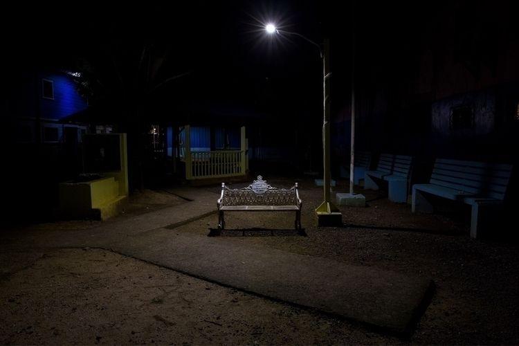 Utila Island public parc (2018 - pfaro | ello