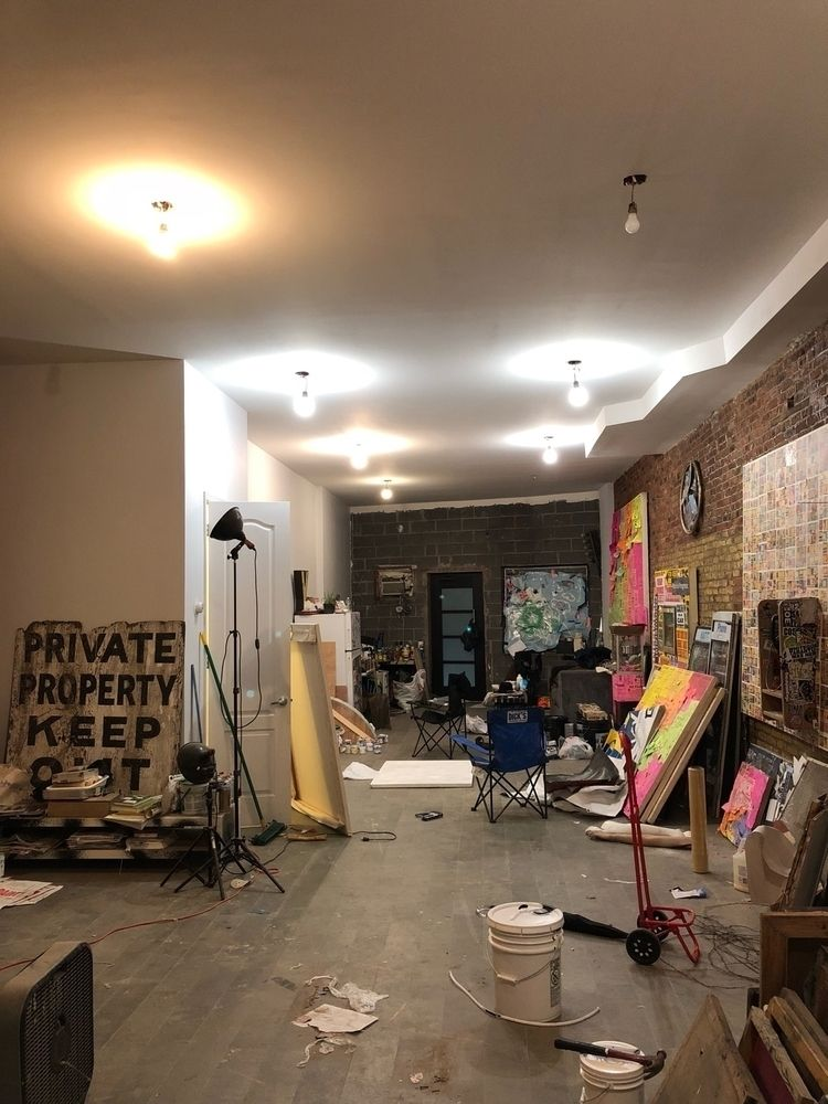 studio 🧠🤛:type_1_2 - dzzzemi718 | ello