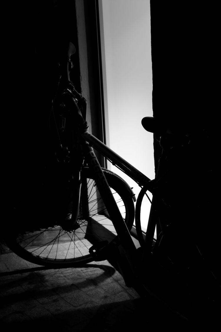 Held place - photography, bike, blackandwhite - marcushammerschmitt | ello
