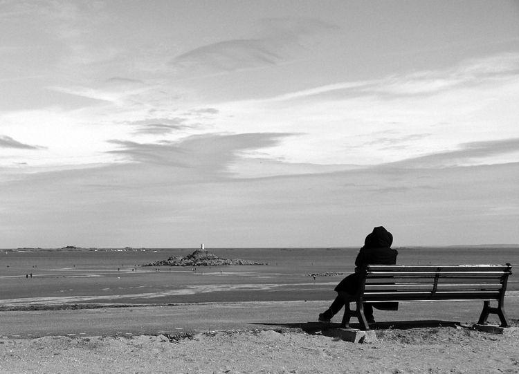Devant - blackandwhite, sea, panorama - phildub   ello
