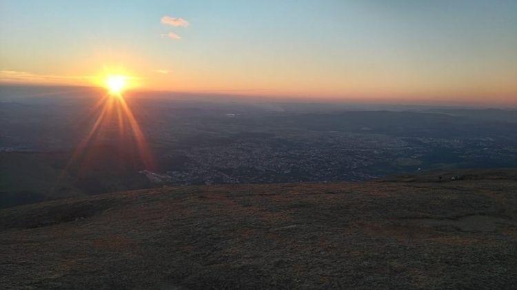 pôr sol , Pedra Grande em Atiba - miguelfeite | ello