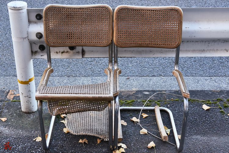 Decay - Tokyo, Japan, Chair, Trash - gullevek | ello