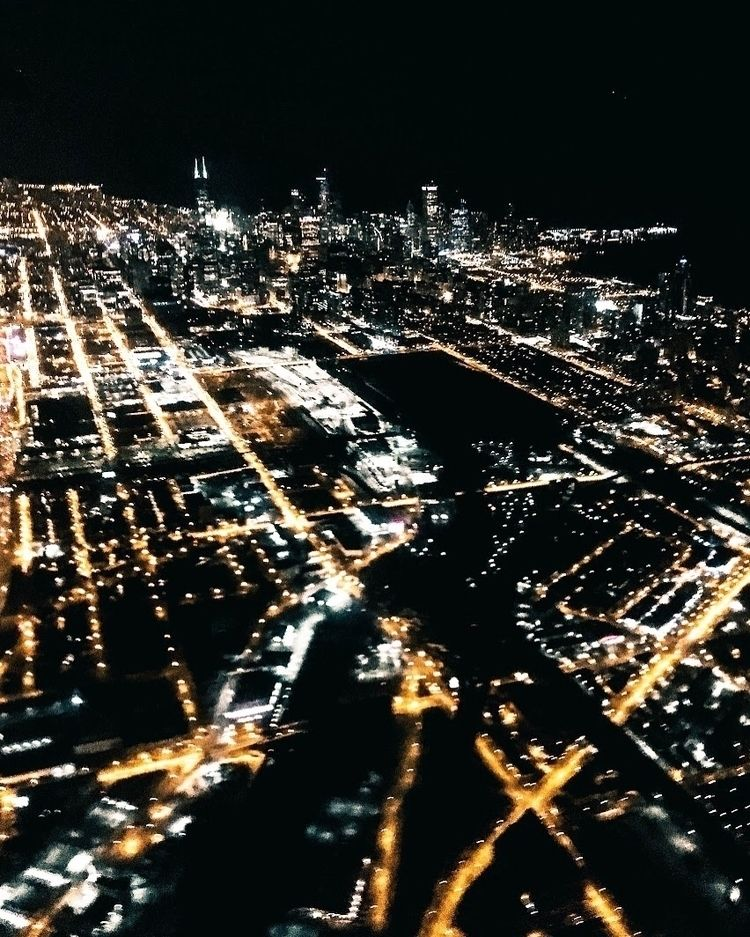 Chicago night  - will_bones | ello