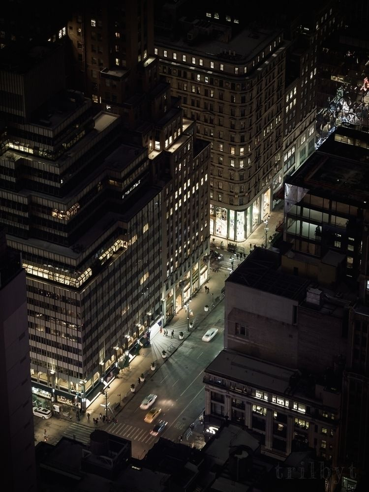 telephoto lens top Rockefeller  - trilbyt | ello