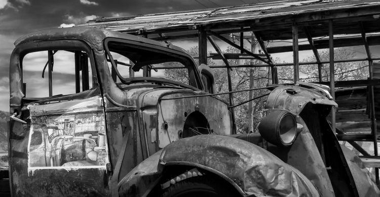 image, door truck ... Route 93  - docdenny | ello