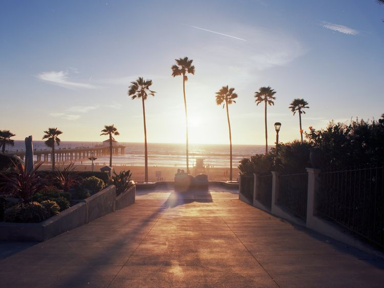 Manhattan Beach. Los Angeles, C - thtmnisamnstr | ello