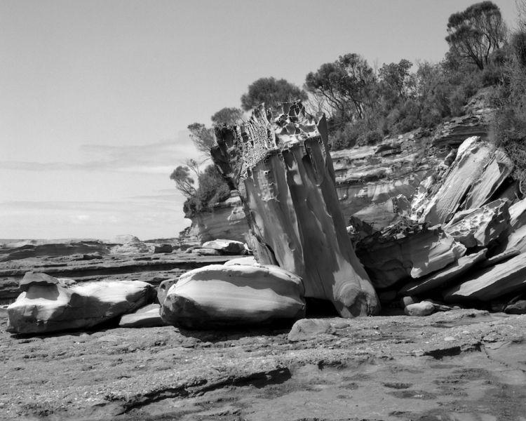 Rock fall ...Murramarang NP. Ch - peterdegraaff | ello