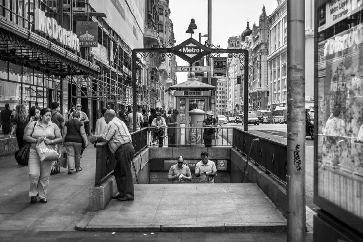 Metro, Gran Vía, Madrid, 2013.0 - crothfoto | ello