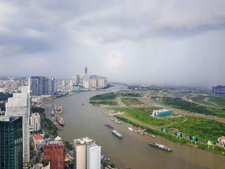 Storm - hochiminhcity, vietnam, travel - sezzyharris | ello