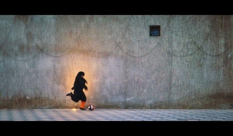 Secret Superstar Dubai - streetphotography - khuram | ello