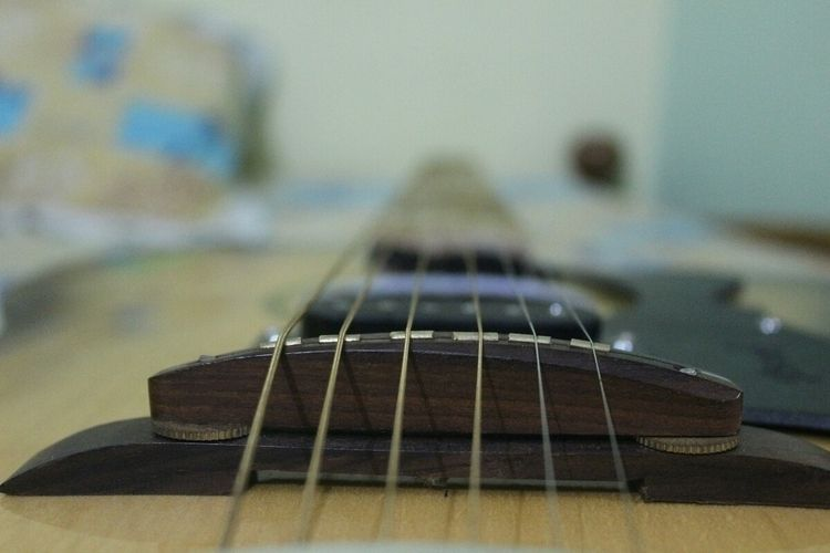 guiter, strings, music, rockzzz......:headphones::musical_score::guitar: - vasudev002 | ello