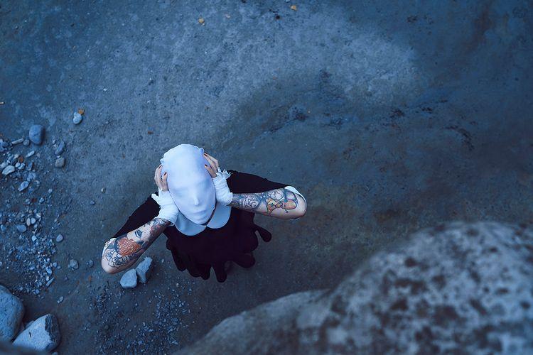 "Scream"" — Photographer: Mic Pho - darkbeautymag | ello"
