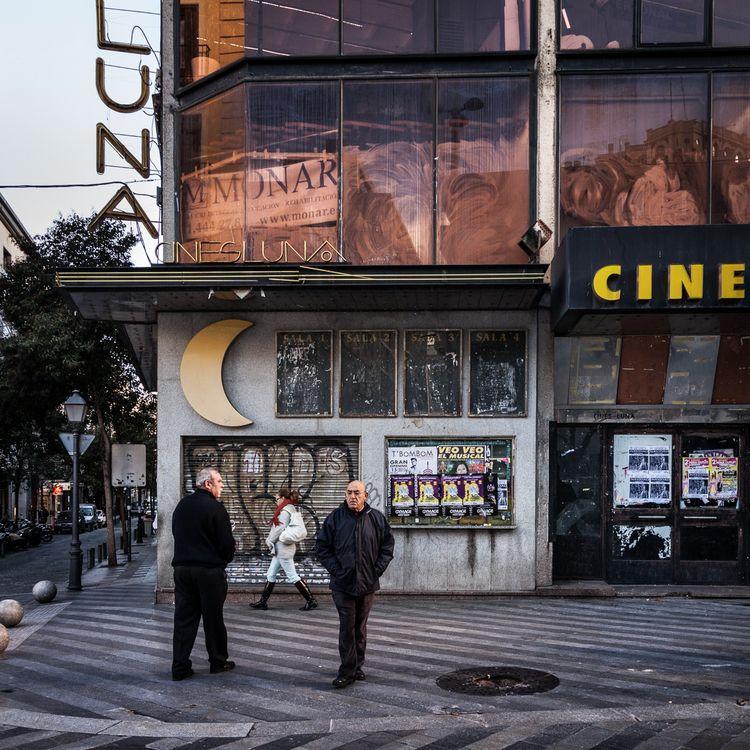 Cines Luna, Madrid, 2013.12.26  - crothfoto | ello