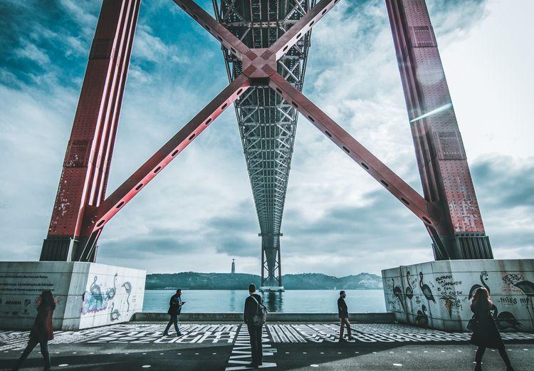 Symmetry | Ponte 25 de Abril, L - barba_salgada | ello