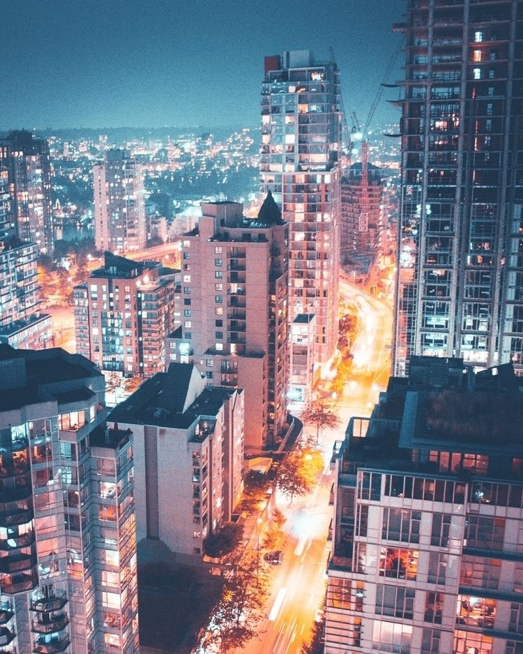 Vancouver rooftopping - visualsoflife - sim | ello