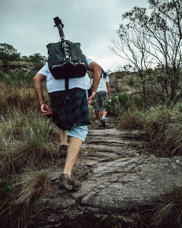 uphill battle - Parque Nacional - felipefritiz | ello