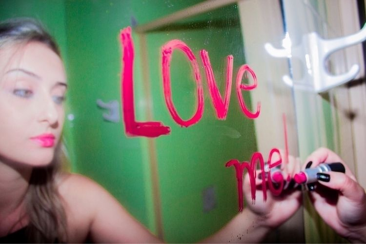 Love - thatsjustforfun   ello