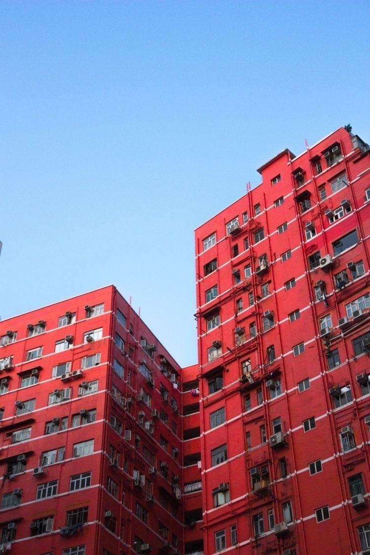 steel sky. Yau Ma Tei, Hong Kon - overloadedwrit | ello
