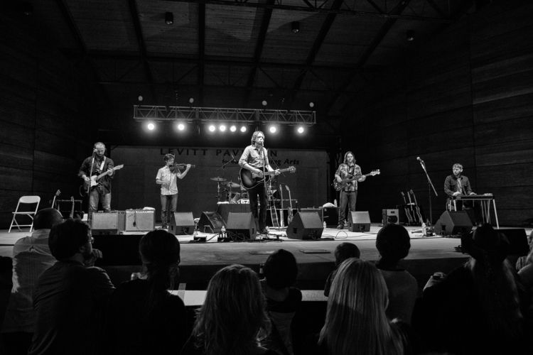 Hayes Carll - Levitt Pavilion - livemusic - jwestern007 | ello