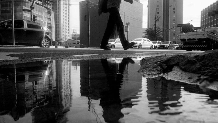 Walk CWB - blackandwhite, blackandwhitephotography - jsuassuna   ello