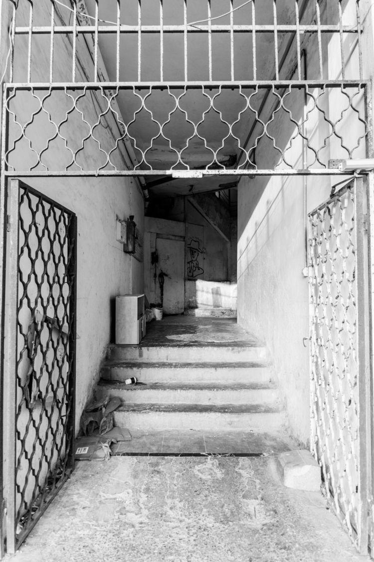 place hang hat home - haifa, israel - subyair | ello