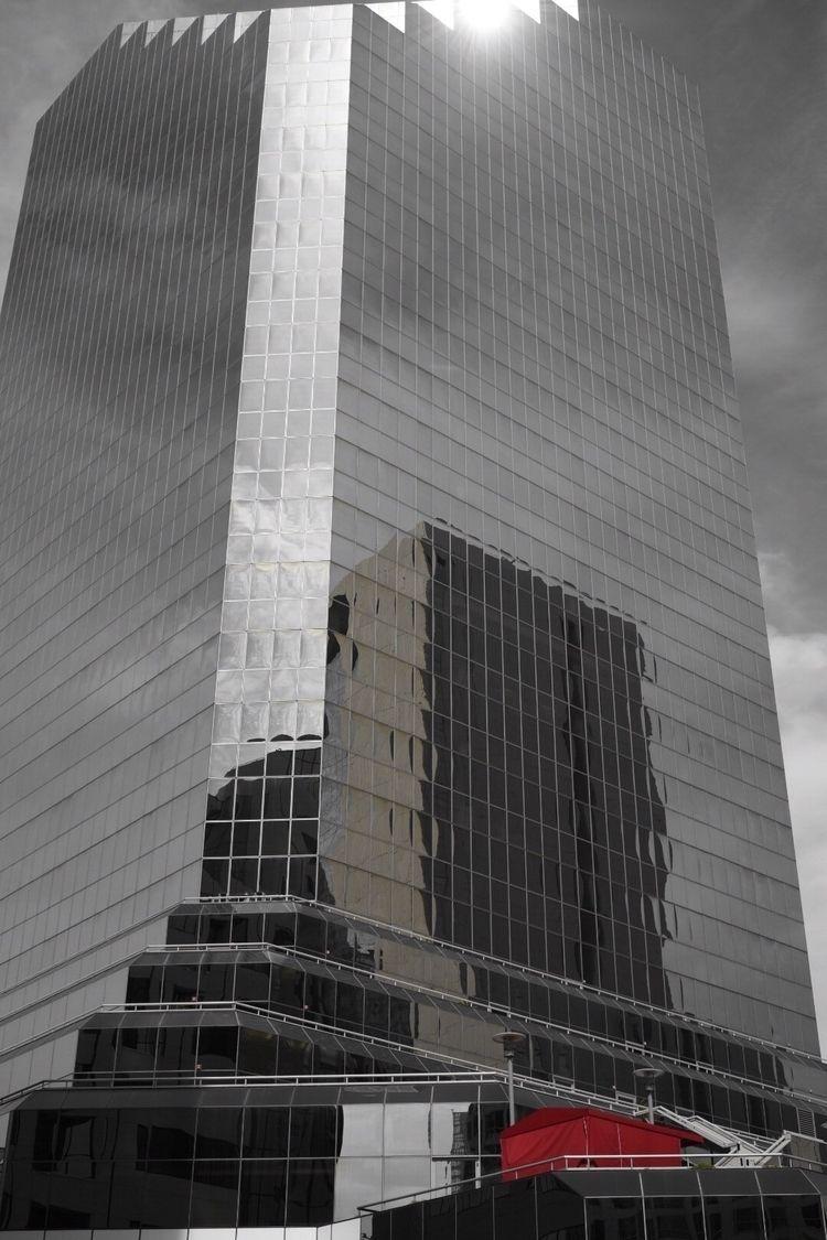 urban walkabout lens - photography - d_nodave | ello