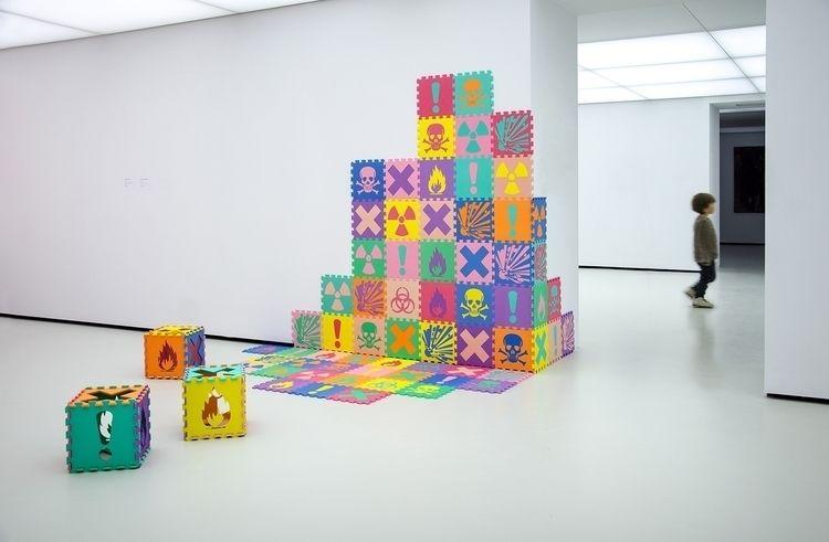 Toyxic Acidulous foam squares G - lomonacoguillaume | ello