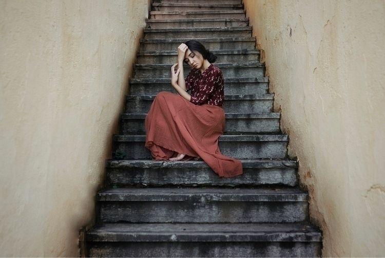 portrait, woman - taniacervian | ello