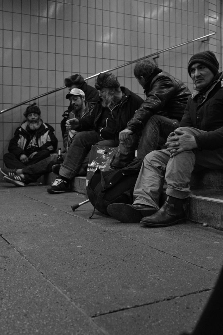 homeless people Mar 2018 - citylife - thanospal | ello