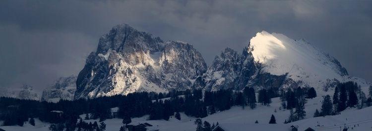 Langkofel Plattkofel - mountains - luz   ello