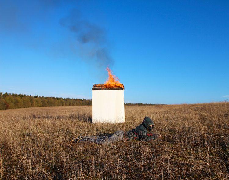 HOUSE BURNING -FRONTIERE TERROR - cyrielletassin | ello