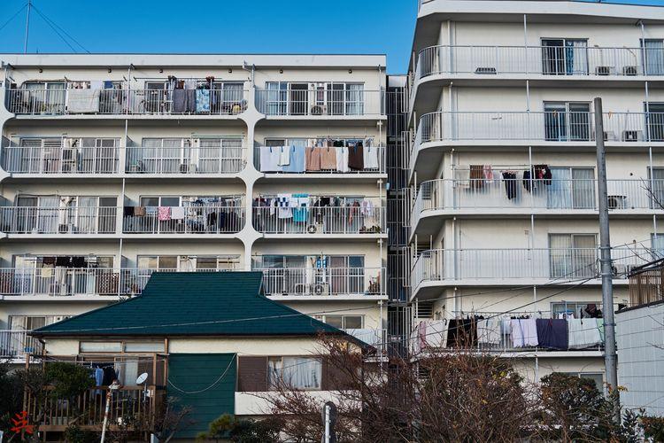 Hanging - Tokyo, Japan, Building - gullevek | ello