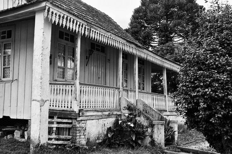 casa de madeira - blackandwhite - jsuassuna | ello
