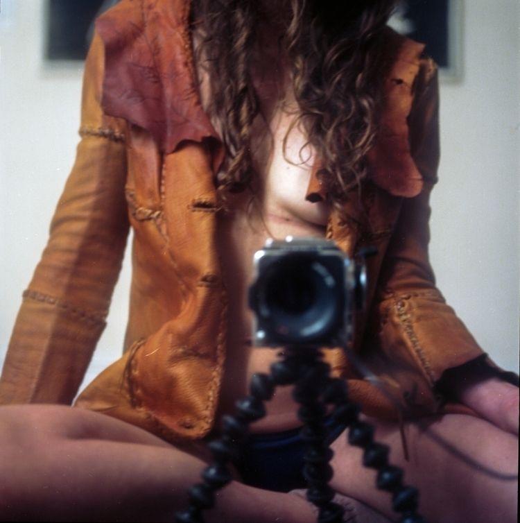 selfportrait, shotonfilm, hasselblad500cm - teetonka | ello