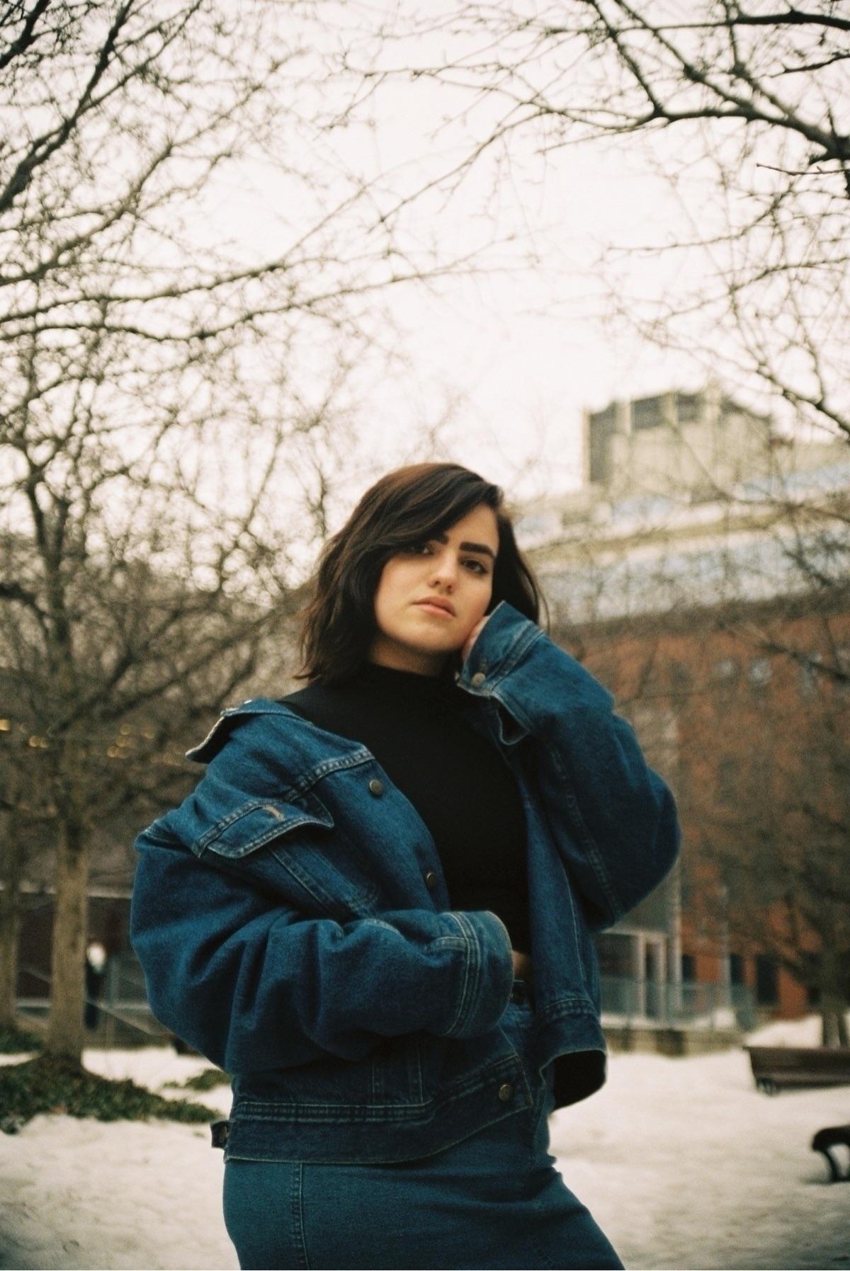 Softness - 35mm, portra400, portrait - melinalovexo | ello