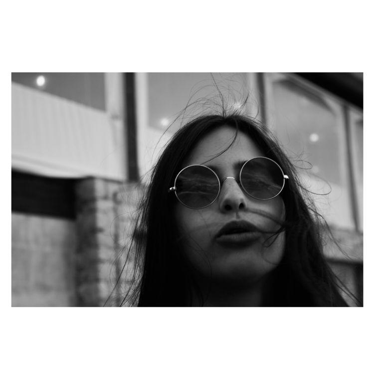 wind, woman, blackandwhite, portrait - glauke_w_ | ello