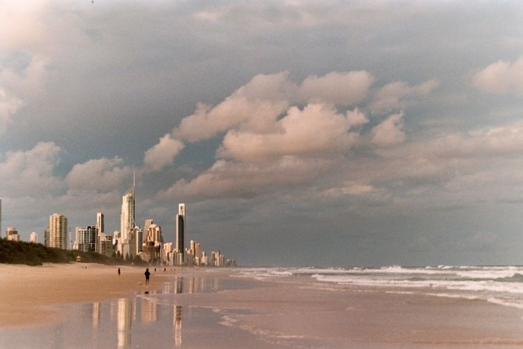 Gold Coast Queensland, Australi - ferreira-rocks | ello