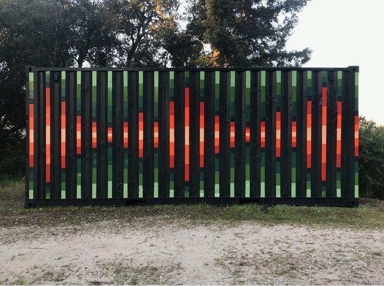 shipping container mural. Heart - xavi | ello